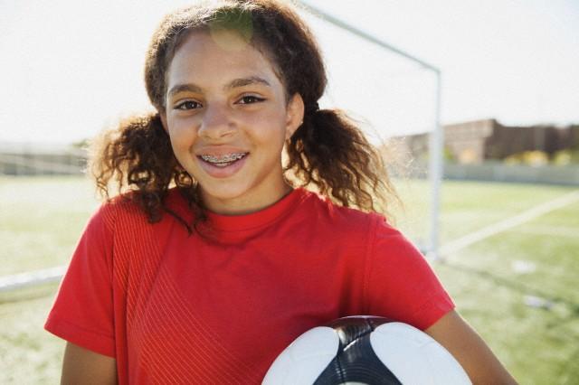 La pratique du sport est possible avec un appareil dentaire.