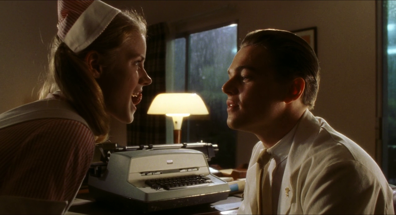 ... -moi si tu peux Appareil dentaire Amy Adams et Leonardo Dicaprio Amy Adams